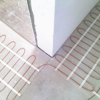 Elektromos fűtőszőnyeg melegburkolathoz - Comfort Heat CTAE-100